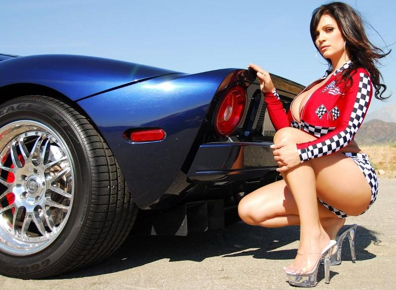 big-naked-girls-and-cars