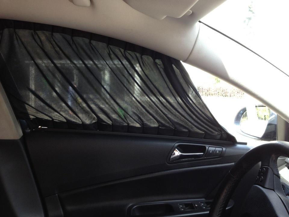 Шторка на переднее стекло автомобиля