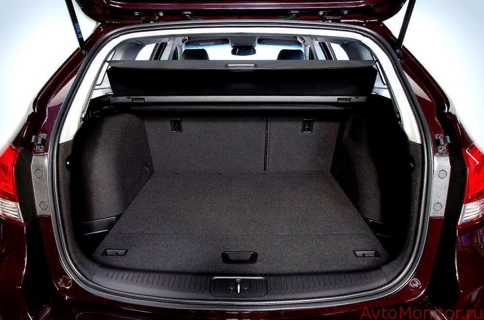 Открытый багажник Cruze