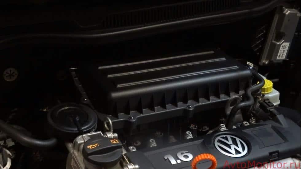Расположение воздушного фильтра на VW Polo